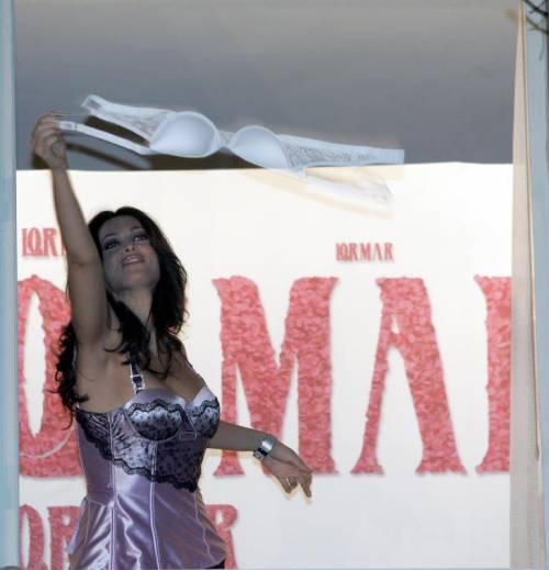 Manuela Arcuri, sempre più bella grazie a Mattia 12
