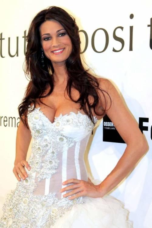 Manuela Arcuri, sempre più bella grazie a Mattia 13