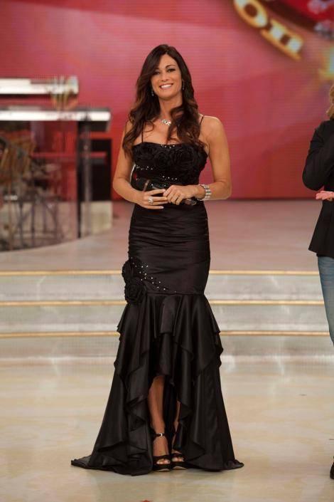 Manuela Arcuri, sempre più bella grazie a Mattia 25