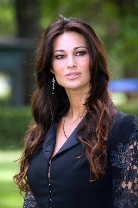 Manuela Arcuri, sempre più bella grazie a Mattia 17