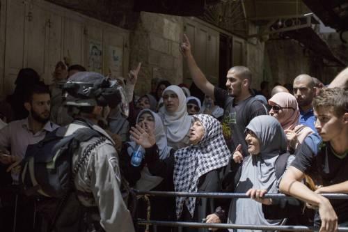 Scontri a Gerusalemme sulla spianata delle moschee 3