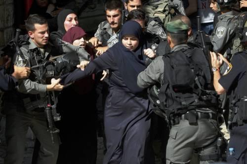 Scontri a Gerusalemme sulla spianata delle moschee 9