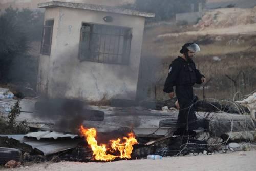 Tafferugli tra la polizia e i coloni a Beit El 1