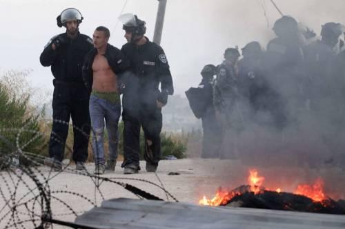 Tafferugli tra la polizia e i coloni a Beit El 9