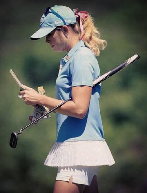Golfiste sexy: le più belle tra le buche 11