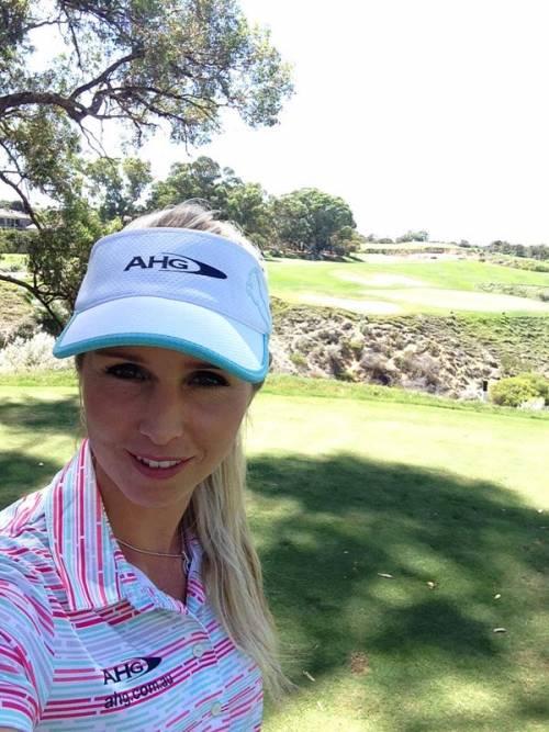 Golfiste sexy: le più belle tra le buche 19