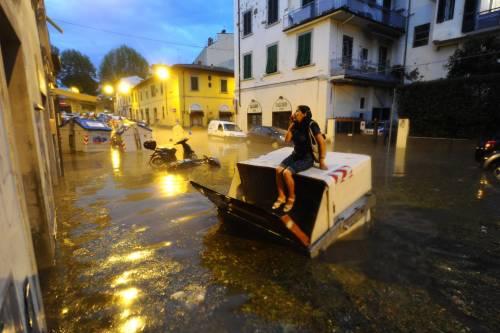 Nubifragio mette in ginocchio Firenze