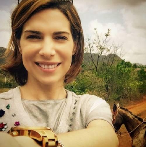 Veronica Maya, pancione e matrimonio nel 2016 10