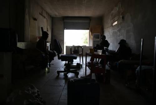 Il ghetto, la baraccopoli dei braccianti africani 7