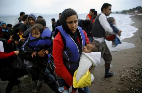 "Vescovo ungherese: ""Il Papa ha torto, i rifugiati vogliono invaderci"""