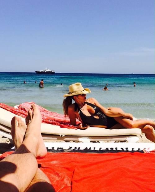 Alba Parietti, topless a Formentera 8