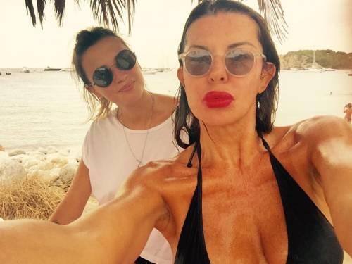 Alba Parietti, topless a Formentera 14