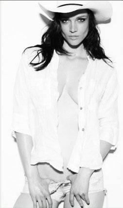 Tanya, modella curvy italiana a New York 11
