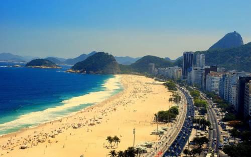 Il Brasile è sotto choc: spiaggia di Copacabana vietata ai giovani neri