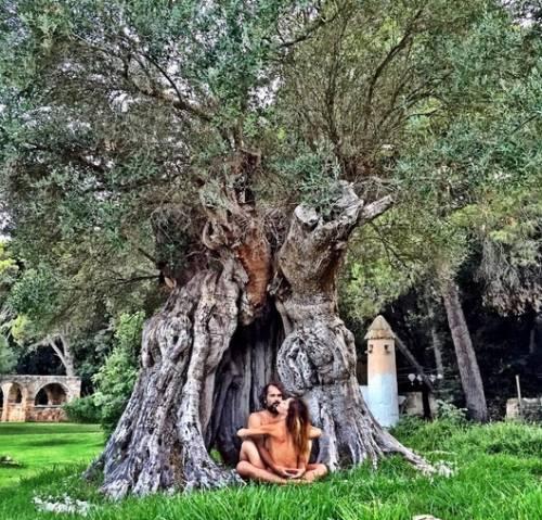Naike Rivelli e Yari Carrisi: amore benedetto dalle mamme 7