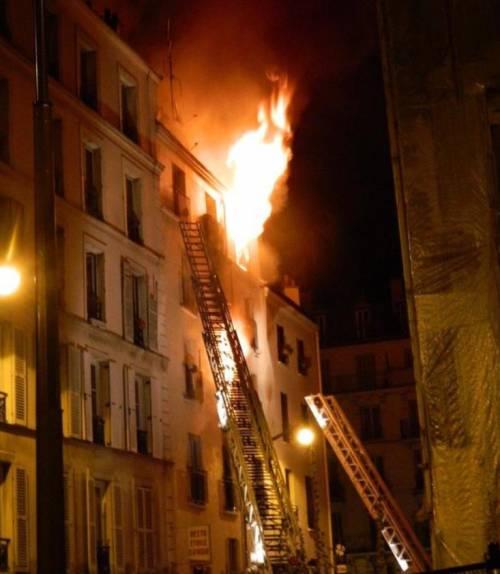 Parigi, maxi incendio 2