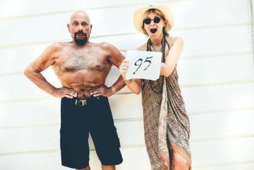 Yoga e regole di ferro. Kazim Gurbuz ha 95 anni. Ma lo direste?