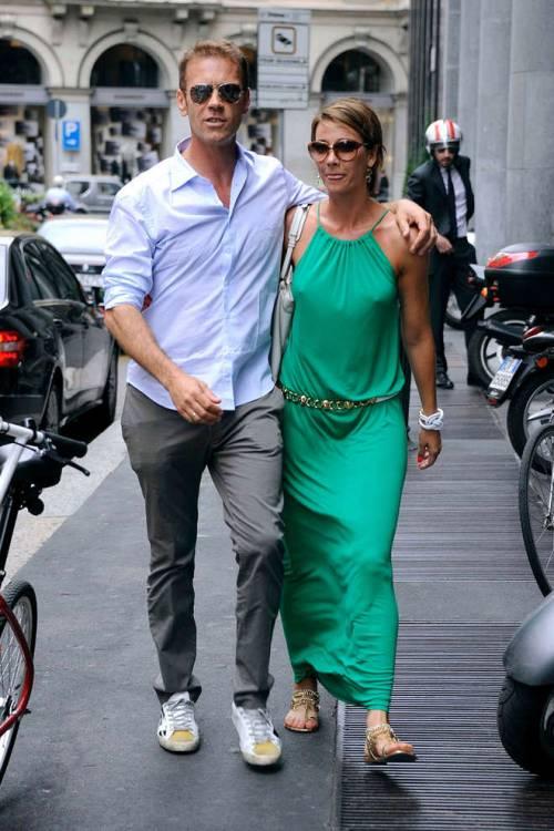 Rocco Siffredi e Rosa Caracciolo, la vacanza diventa sexy: lui nudo, lei in topless 6