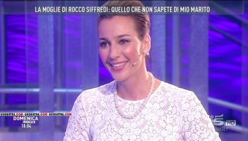 Rocco Siffredi e Rosa Caracciolo, la vacanza diventa sexy: lui nudo, lei in topless 13