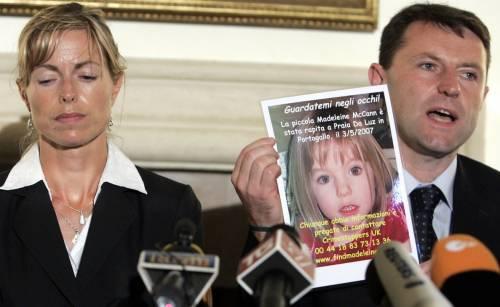 """Svolta nel caso di Madeleine McCann c'è un sospetto. Ma la procura: """"La bimba è morta"""""""