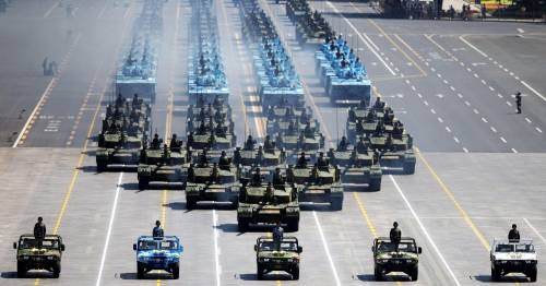 La sfilata dell'esercito cinese 16