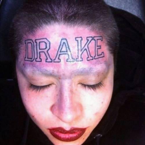 Tatuarsi la faccia. Le foto più strane 3
