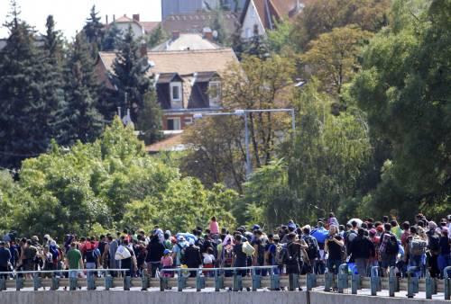 La marcia a piedi dei profughi 2
