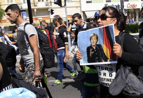 La marcia a piedi dei profughi 3
