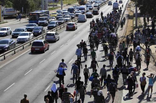 La marcia a piedi dei profughi 8