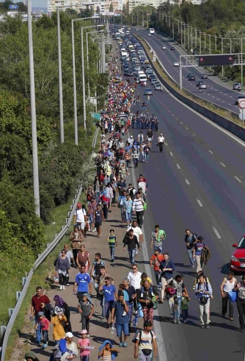La marcia a piedi dei profughi 12