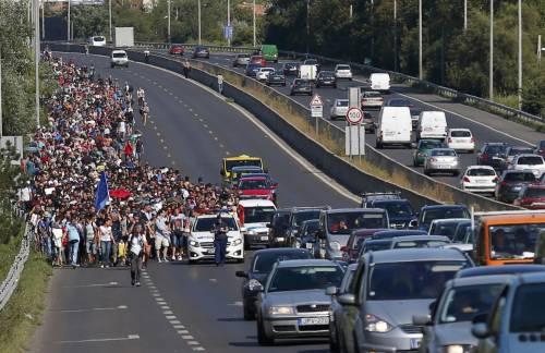 La marcia a piedi dei profughi 14