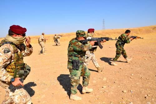 Così i parà addestrano i curdi a Erbil 4
