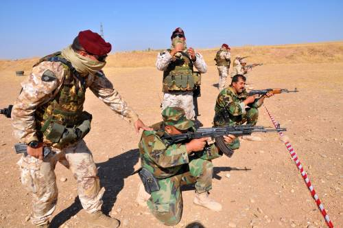 Così i parà addestrano i curdi a Erbil 5