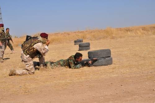 Così i parà addestrano i curdi a Erbil 6