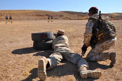 Così i parà addestrano i curdi a Erbil 7