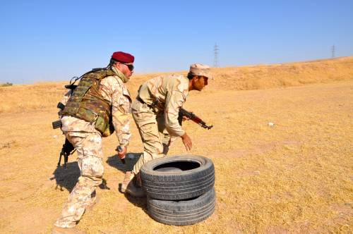 Così i parà addestrano i curdi a Erbil 8