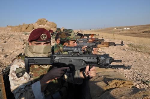 Così i parà addestrano i curdi a Erbil 17