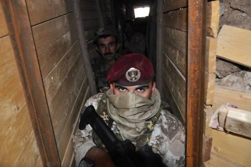 Così i parà addestrano i curdi a Erbil 24
