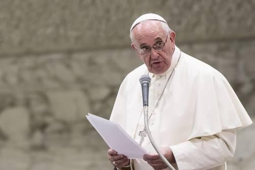 """Il papa: """"Se un convento lavora come un hotel deve pagare l'Ici"""""""