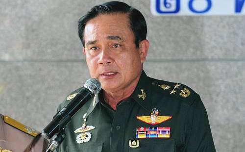 La Thailandia boccia la nuova Costituzione e allunga il potere ai militari