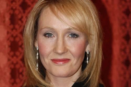 Migranti, interviene J. K. Rowling: lei risponde sagace a chi la critica