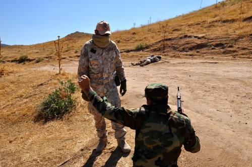 I parà addestrano le truppe curde in Iraq 7
