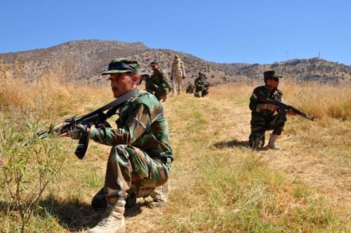 I parà addestrano le truppe curde in Iraq 12