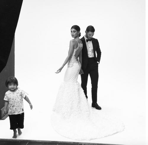 Belen Rodriguez sexy in abito da sposa 3