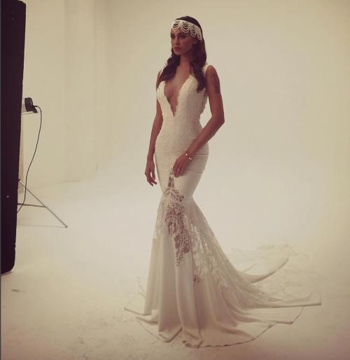 Belen Rodriguez sexy in abito da sposa 6