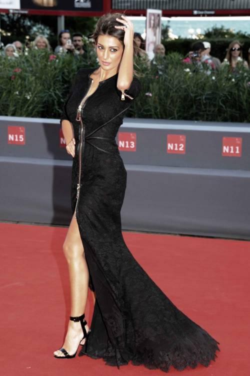 Cristina Buccino, sexy zip alla Mostra del Cinema di Venezia 14