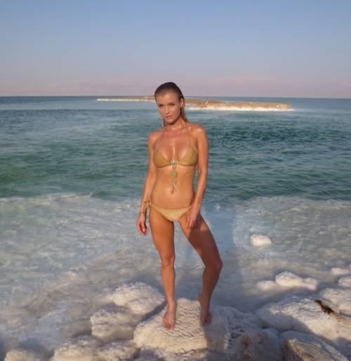 Joanna Krupa sexy su Instagram 4