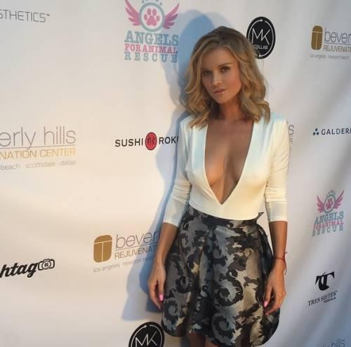 Joanna Krupa sexy su Instagram 6