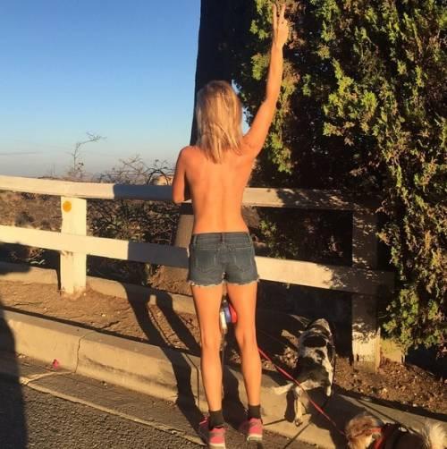 Joanna Krupa sexy su Instagram 8