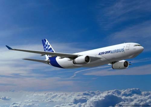 """L'inutile Airbus di Renzi: """"Nessun pilota in grado di pilotarlo"""""""